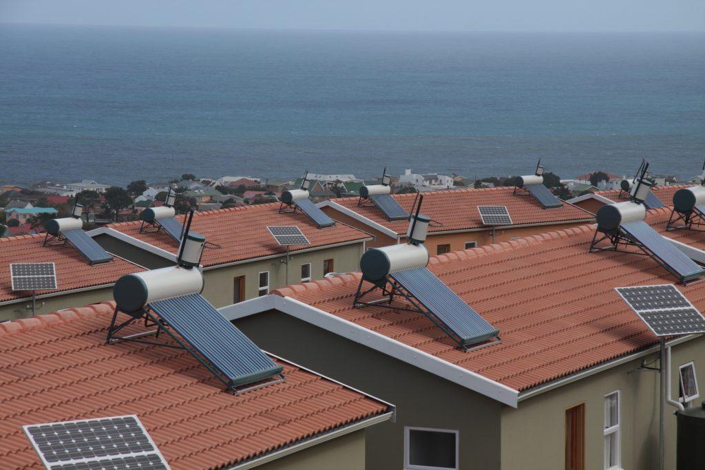 Aquecedores solares e geradores solares são equipamentos diferentes