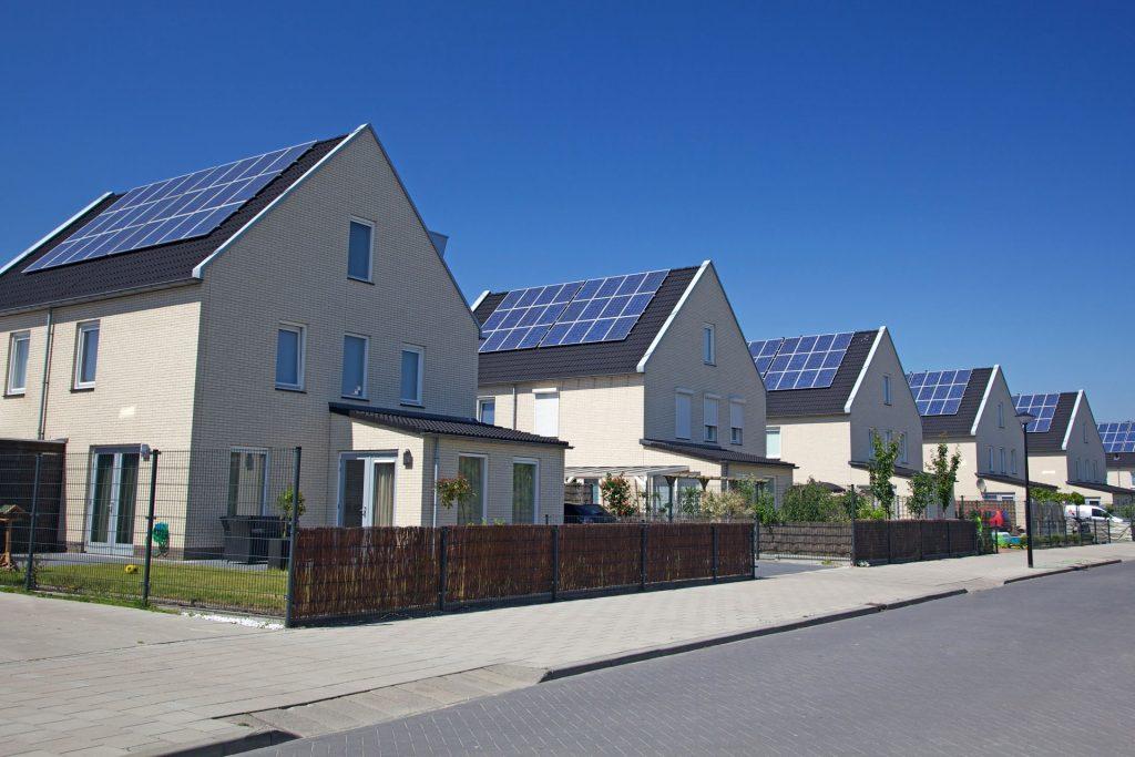 Pode ser instalada em qualquer telhado gerando energia suficiente para uma casa